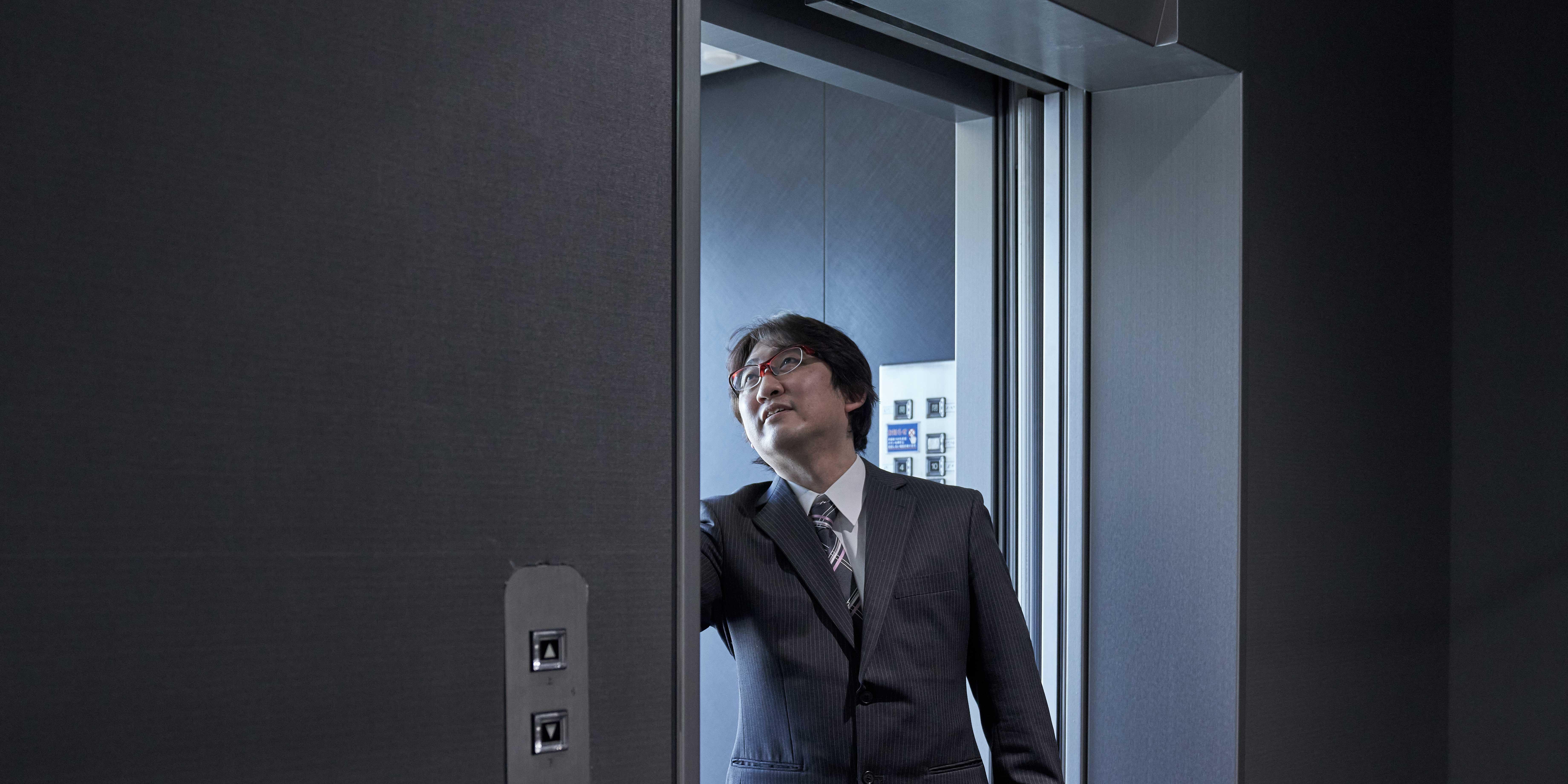 エレベーターに欠かせない制御を担う。